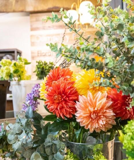 Damselfly Designs White Plains Flower Arrangements